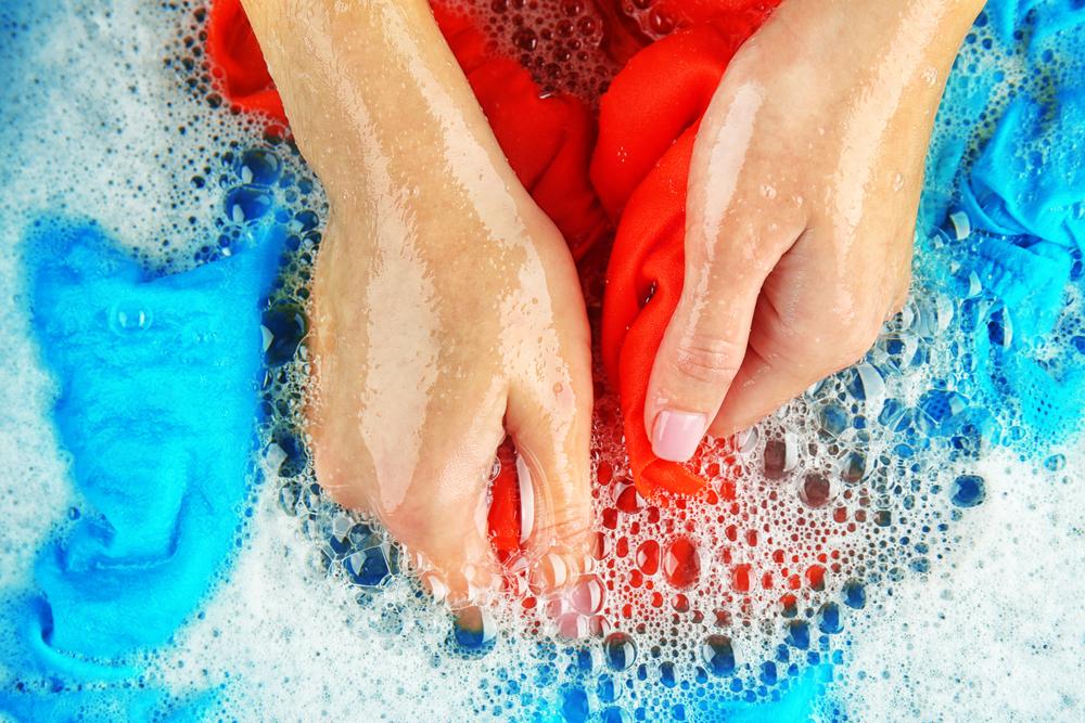 Begini Cara Mencuci Baju Agar Bebas dari Virus