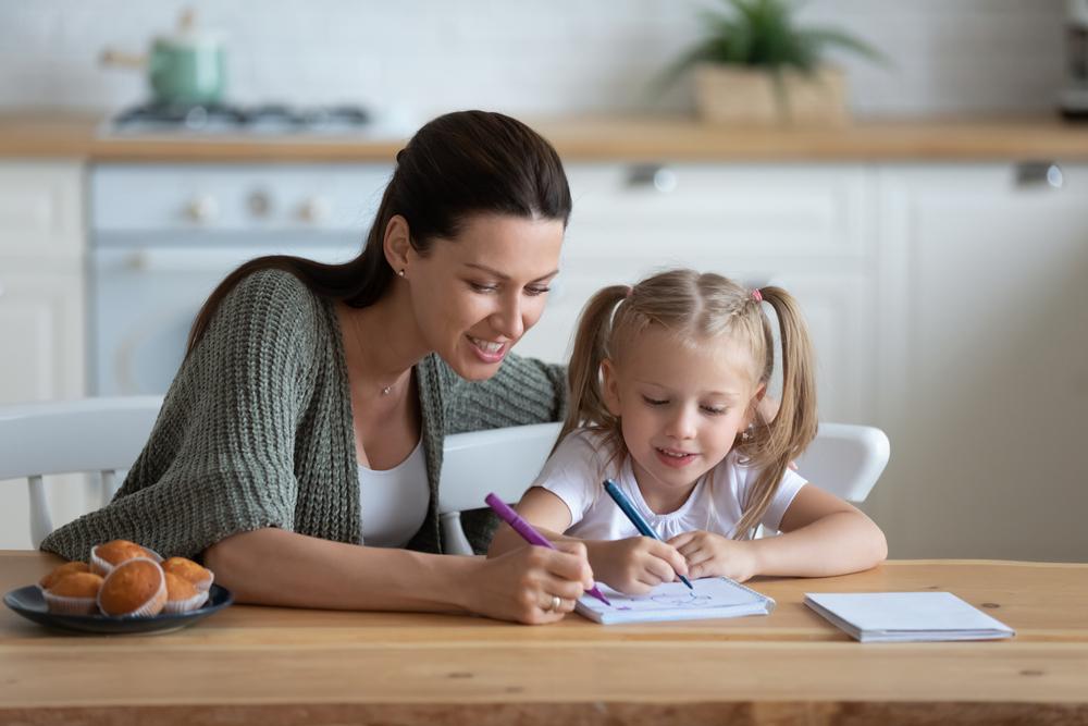 Begini Cara Mengajarkan Uang Pada Anak