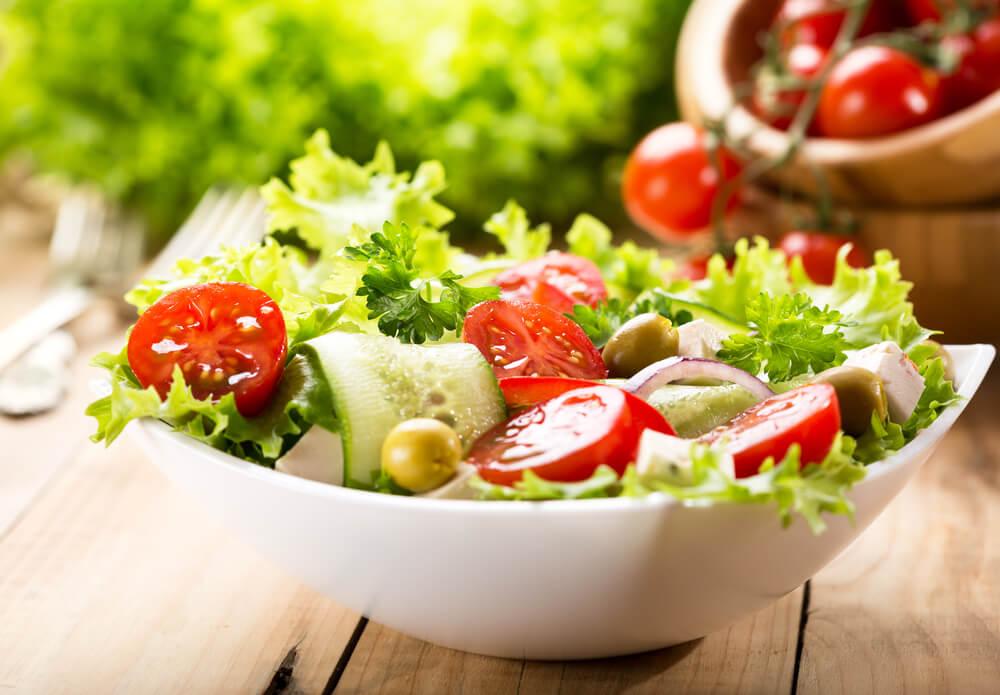 Manfaat Salad Bagi Kesehatan Kulit, Bisa Haluskan Kulit