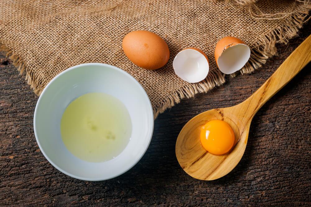 Putih Telur Masker Alami untuk Kencangkan Kulit Wajah