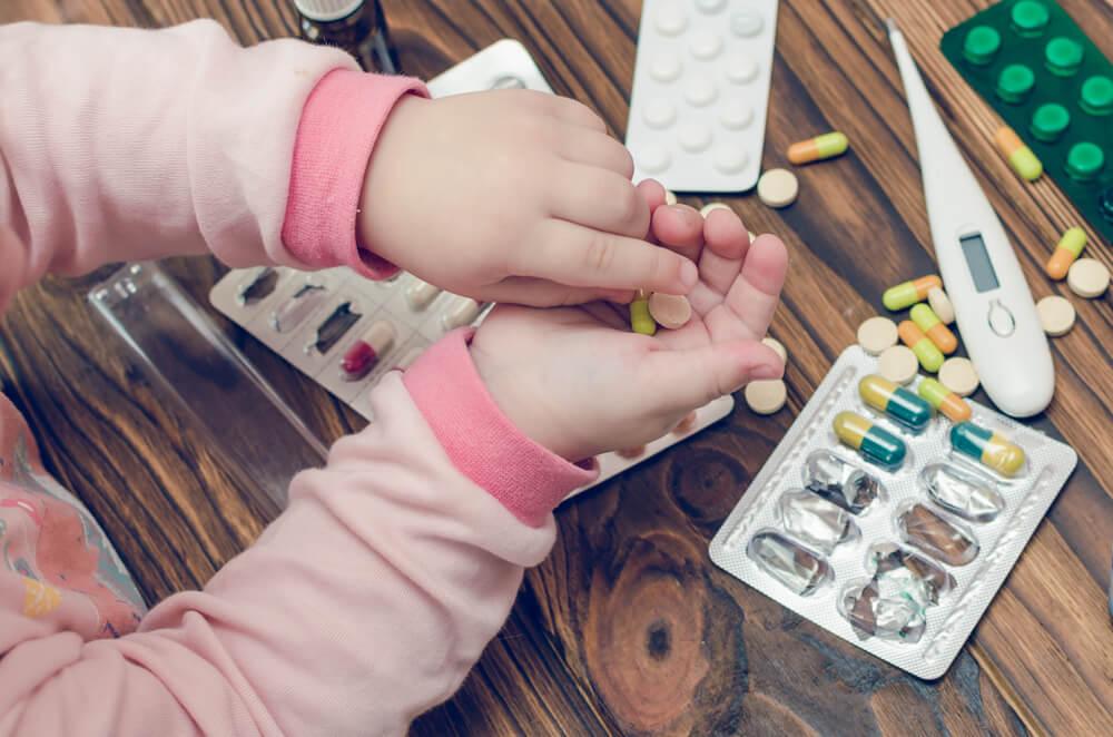 Siasat Agar Anak Mau Minum Obat