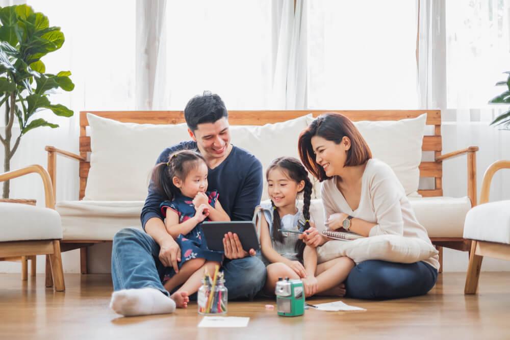 10 Cara Memperkuat Ikatan Keluarga