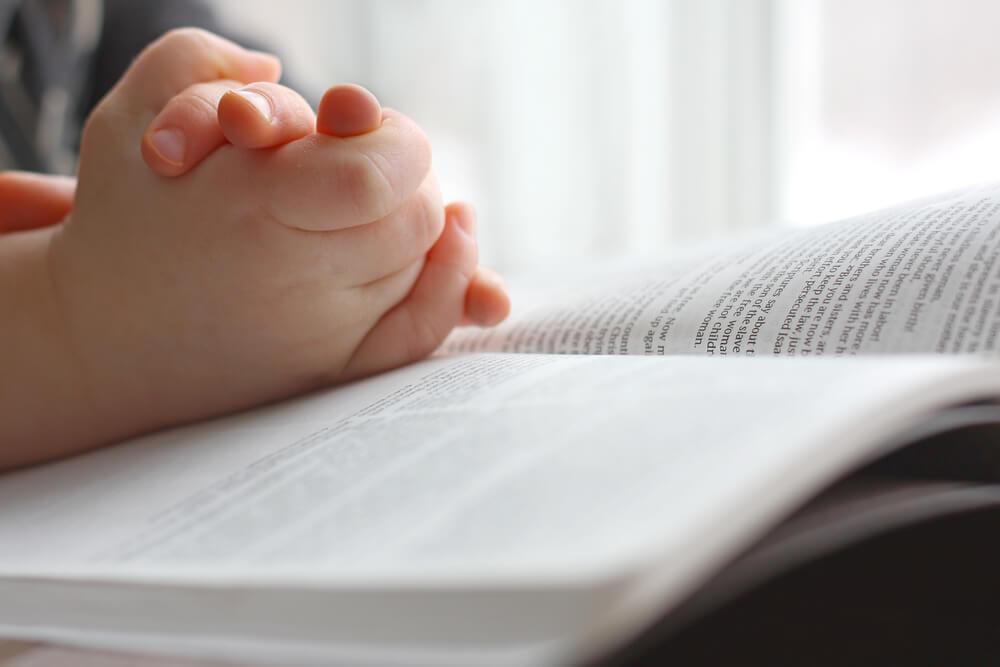 Mengajarkan Makna Kenaikan Yesus Kristus kepada Anak