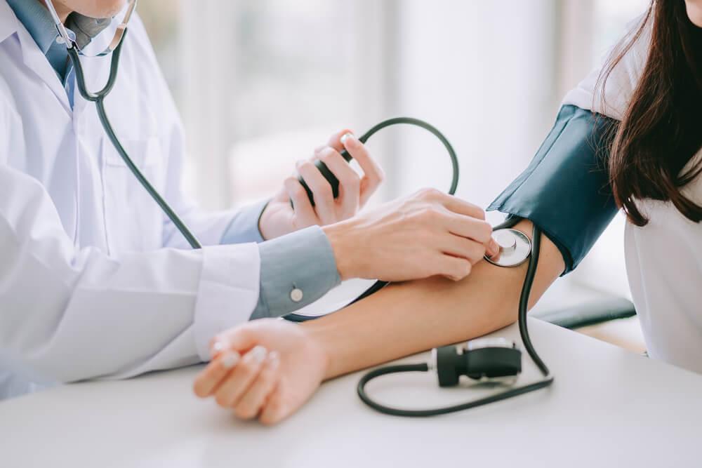 Punya Tekanan Darah Tinggi? Konsumsi Makanan Berikut