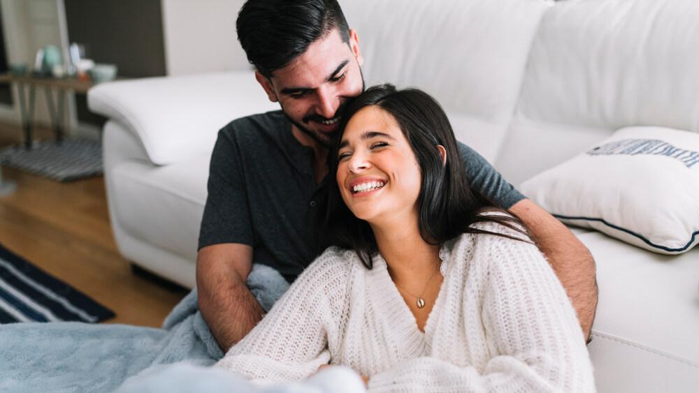 7 Langkah Bangkitkan Romantisme Sebelum Bercinta