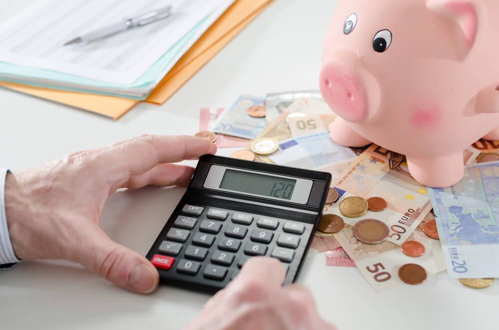 9 Kiat Berhemat di Saat Keuangan Pas-pasan