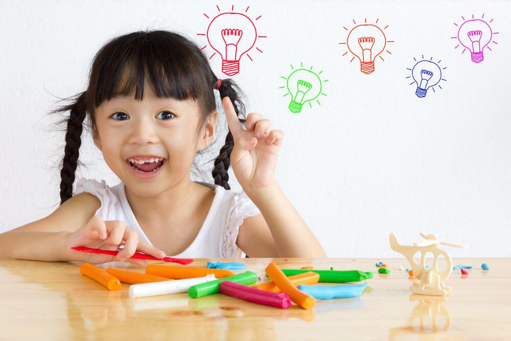 7 Ciri Anak Cerdas yang Terlihat Sejak Bayi