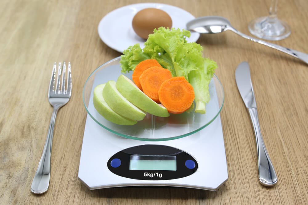 Tip Mudah Diet Defisit Kalori
