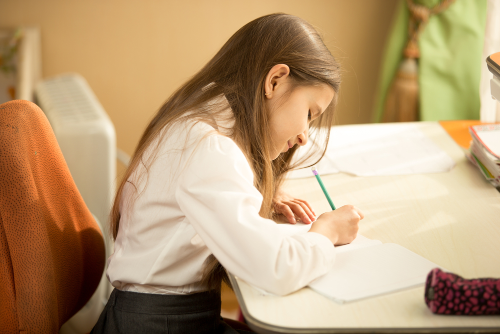 Pentingnya Menulis Jurnal Pada Anak