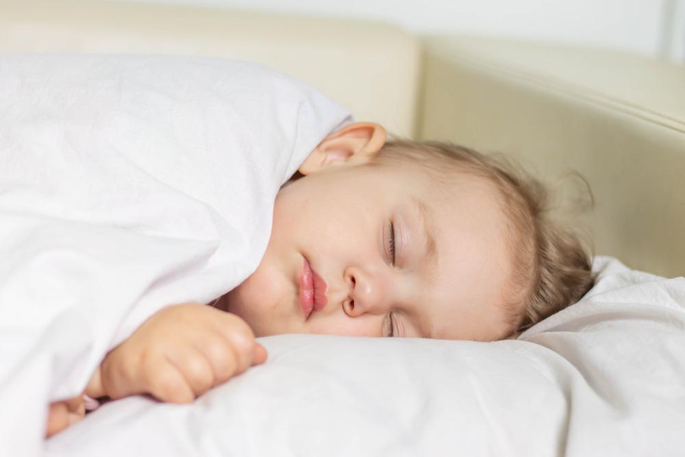 Cara Melatih Anak Tidur di Kamar Sendiri