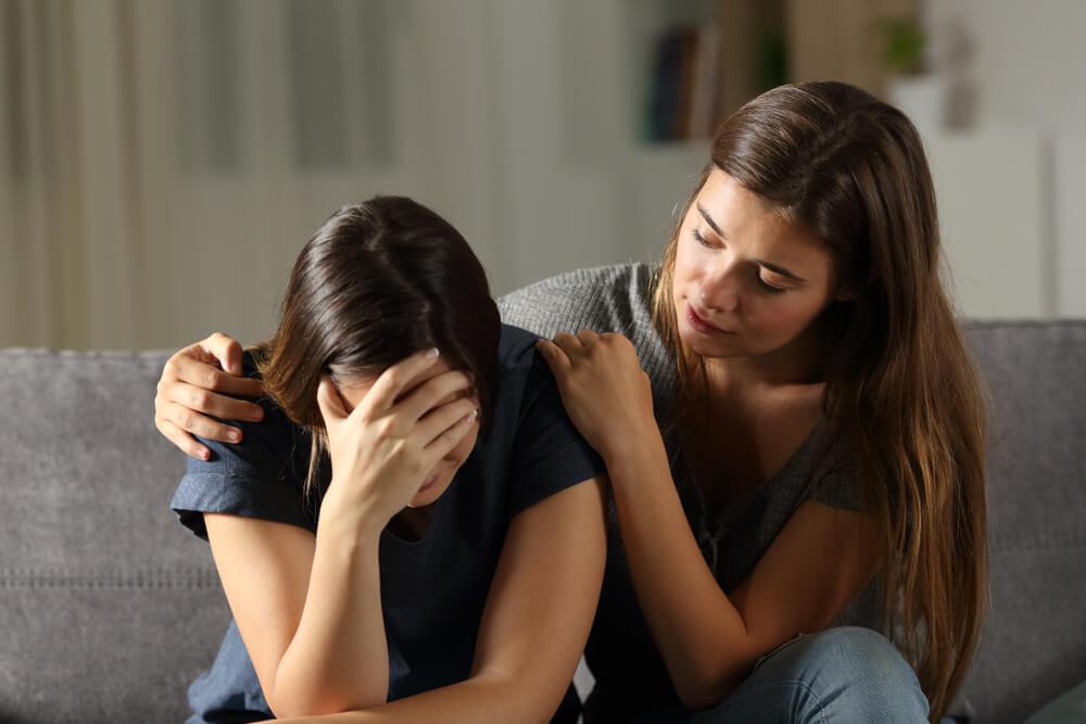 Hindari Ucapan Ini pada Teman yang Berduka