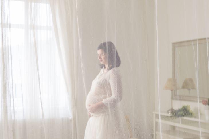 Kiat Foto Kehamilan Cantik Meski #DiRumahAja