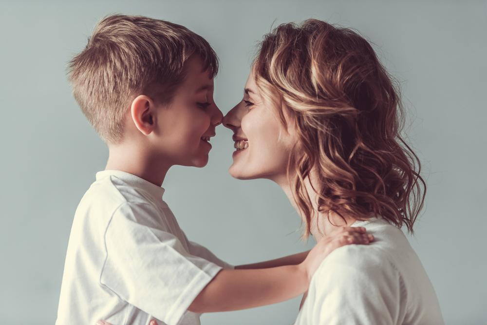 Kiat Didik Anak Laki-laki untuk Hormati Perempuan