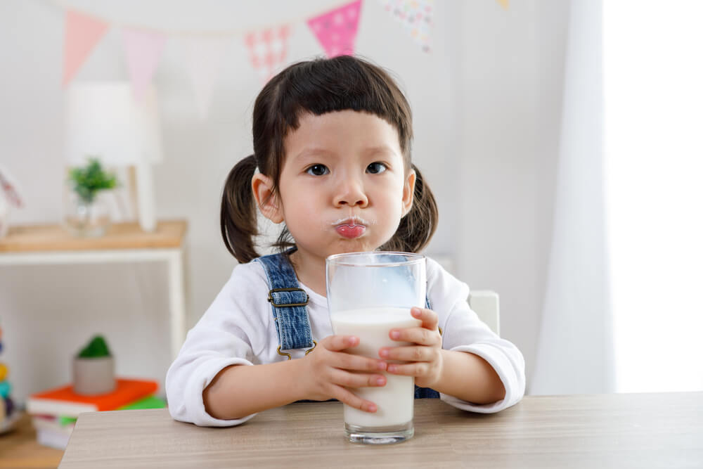 Cara Mudah Deteksi dan Solusi Nutrisi Berbahan Dasar Susu Sapi pada Anak Alergi