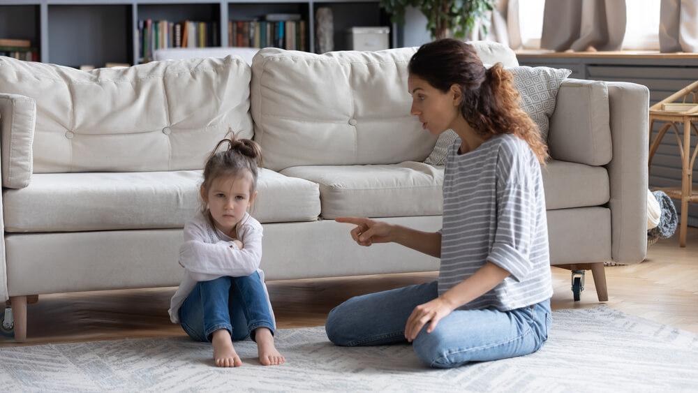 Tipe Pengasuhan yang Buruk bagi Anak di Masa Depan (Bagian 2)