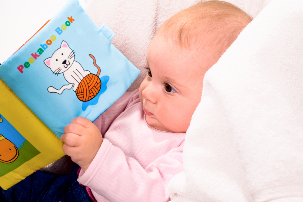 Daftar Mainan Bayi 0-6 Bulan