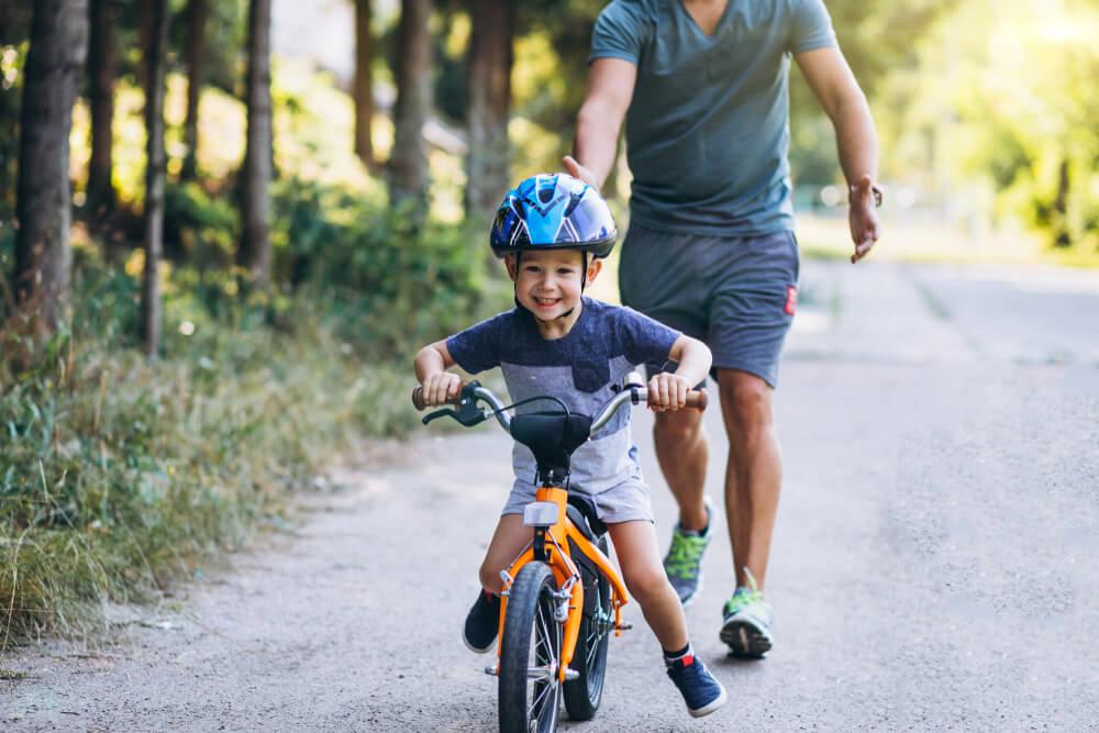 7 Kesalahan Saat Mengajarkan Anak Bersepeda