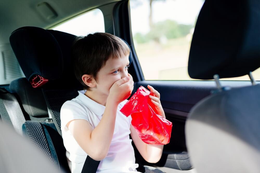 Tip Mengatasi Anak yang Mabuk Perjalanan