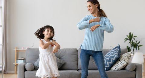 Intip Latihan Fisik Bareng Anak di Rumah