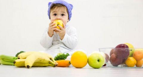 Rambu Pemberian Buah pada Bayi