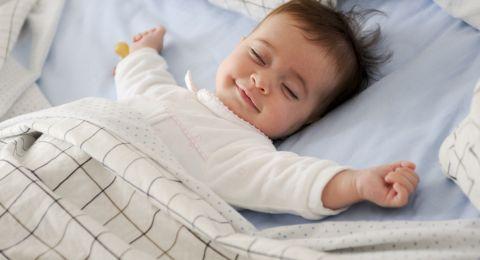 Sleep Training Bayi Agar Tidur Teratur