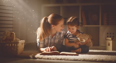 Tips Bikin Cerita Makin Seru untuk Si Kecil