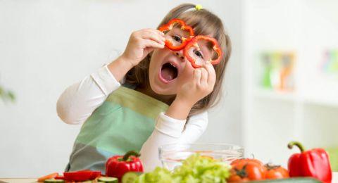 Tip Mengenalkan Anak pada Makanan Pedas