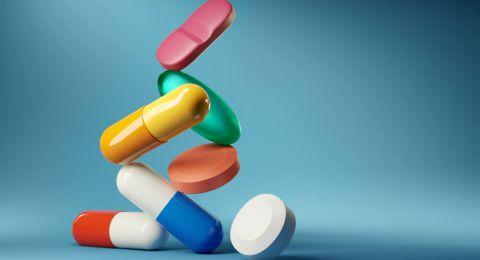 Kenali Vitamin dan Suplemen yang Berbahaya Jika Dikonsumsi Bersamaan