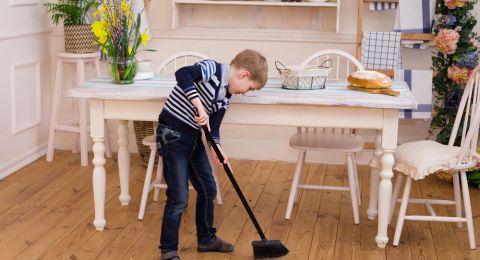 Anak Lelaki Perlu Belajar Pekerjaan Rumah Tangga, Ini Alasannya