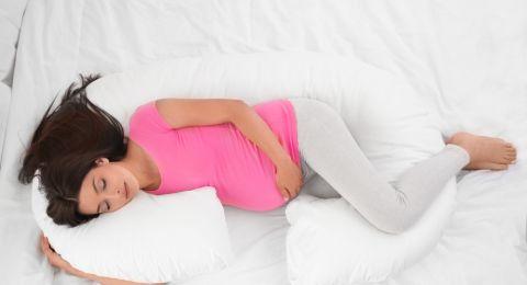 Posisi Tidur Terbaik Bagi Bumil