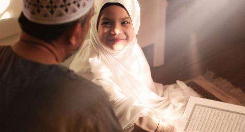 Tip Ajarkan Nilai-nilai Zakat pada si Kecil